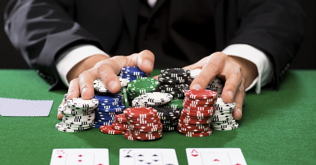 Situs BandarQQ- The Online Legalised World Of Gambling
